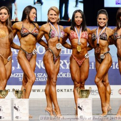 Siegerehrung Bodyfitness/FitnessFigur von links:  Szandra Hidasi, Ungarn; Elena Maria Meines, Argentinien; Angi Derzapf;  Inna Trofymenkova, Ukraine; Tatjana Räisänen, Finnland; Silvia Cecchinato, Italien